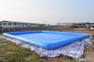 0.9mm PVC Tarpaulin Giant Inflatable Rectangular Pool For Water Park