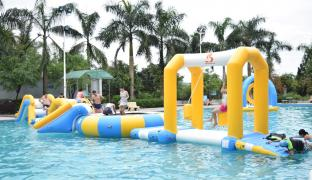 Durable Inflatable Water Sports For Entertaiment / Water Park Games For Pool