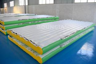 0.9mm PVC Tarpaulin Inflatable Water Floating Platform For Water Park